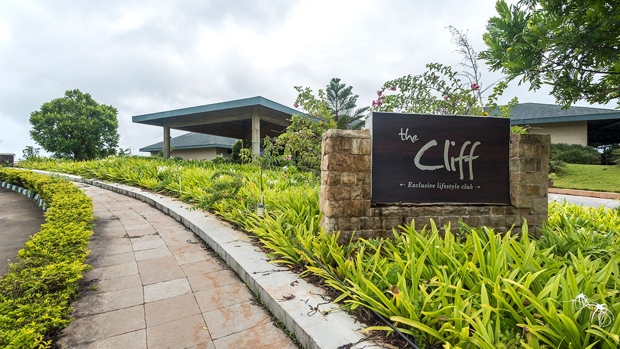 The Cliff club